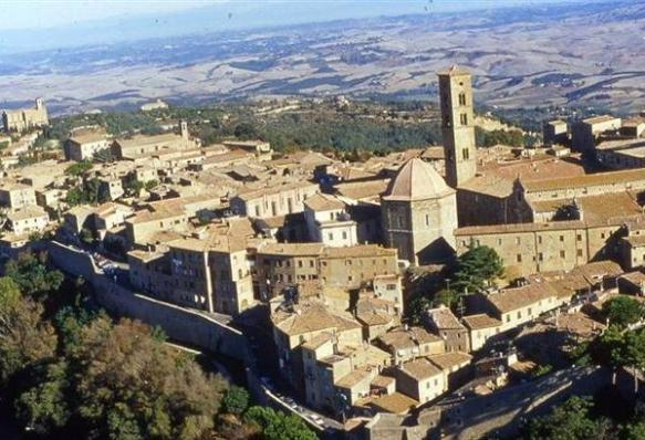 Holidays to Volterra